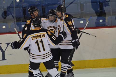 Quinnipiac 5, Holy Cross 3