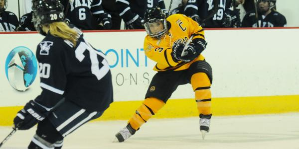 Elkins leads women's ice hockey to third straight victory