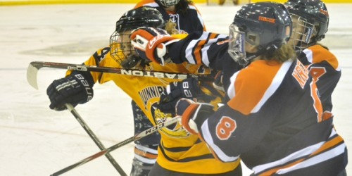 Quinnipiac women's ice hockey fails to complete weekend sweep vs. Syracuse
