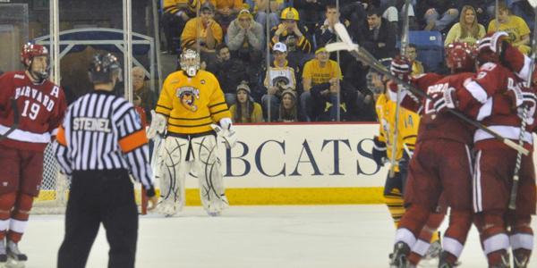 Quinnipiac men's ice hockey allows five unanswered goals in loss to Harvard