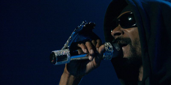 Snoop Dogg performs live at Budapest Sept. 10, 2008.