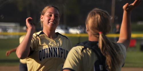 Eight-run inning gives Quinnipiac split of doubleheader