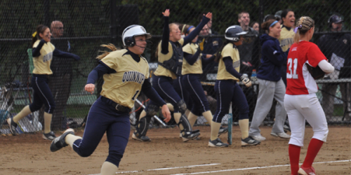 Quinnipiac softball hits 4 home runs in a row [Video]