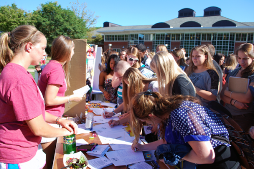 Students participate in the Involvement Fair on Wednesday, August 29 on the quad.