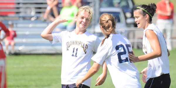 Women's soccer improves to 4-0-1