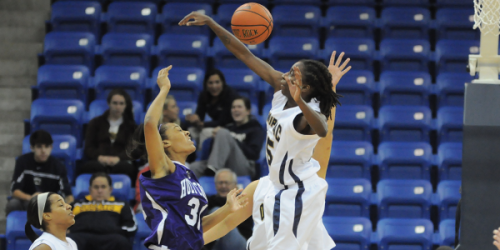 Women's basketball improves to 7-0