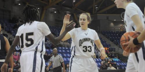 Women's basketball ties best start in program history