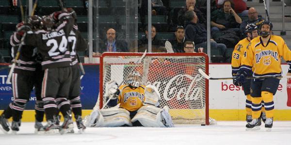 Quinnipiac men's ice hockey falls to Brown in ECAC semis