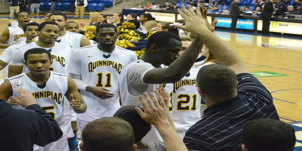 Quinnipiac men's basketball routs Rider