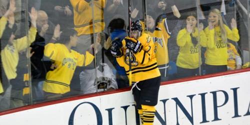 Quinnipiac men's ice hockey eliminates Yale, advances to league semis