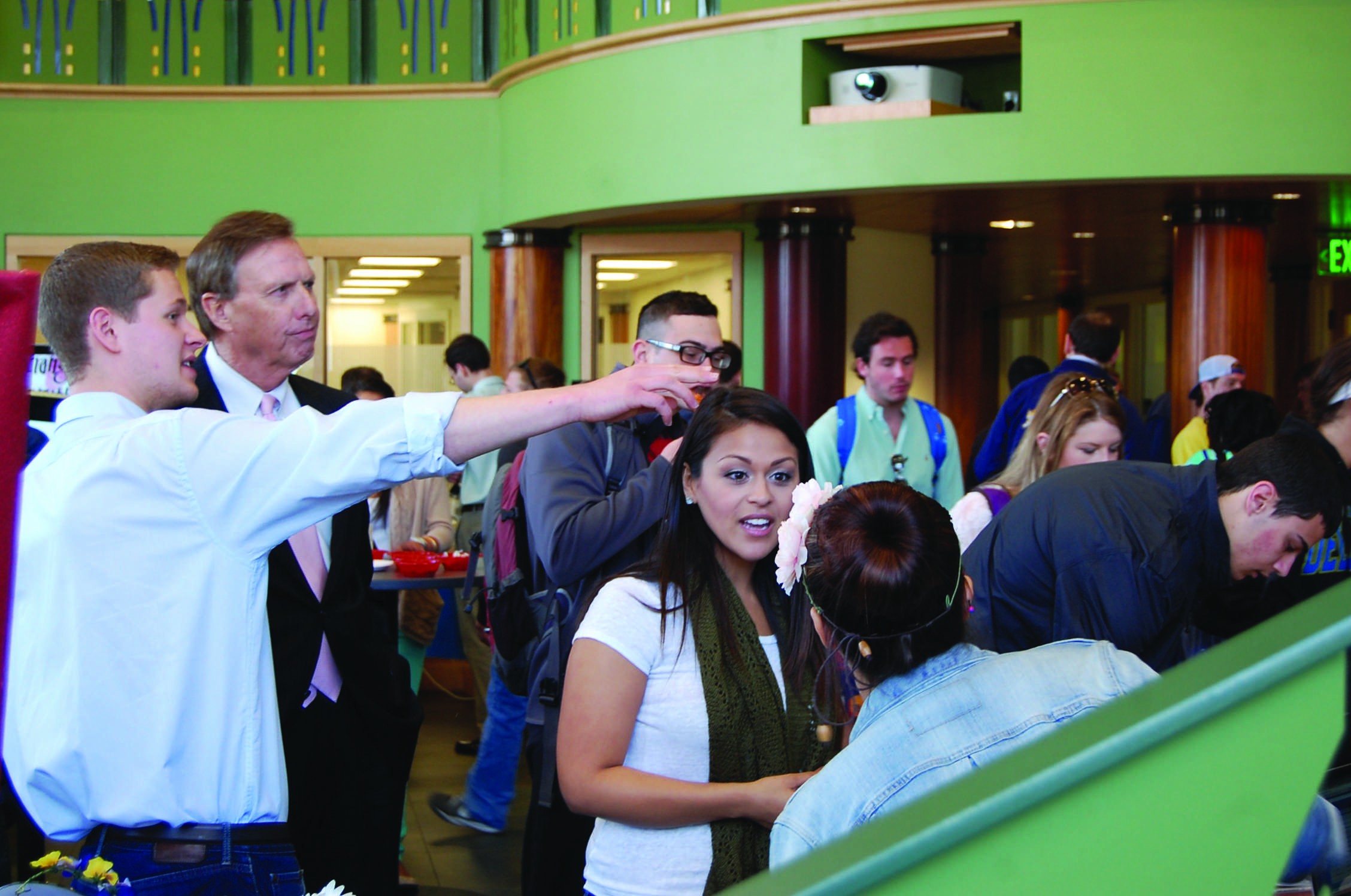 Entrepreneur club host first Qstart fair