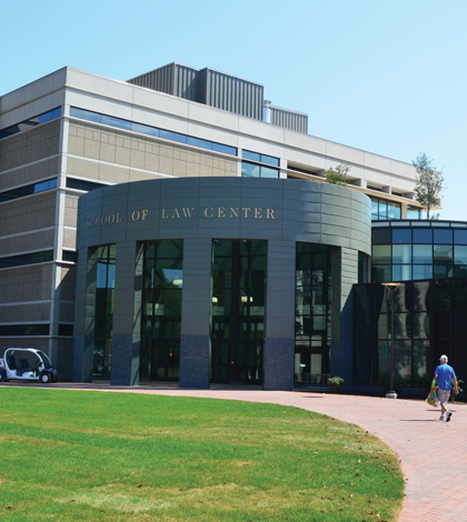 Law school moves to North Haven