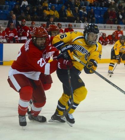 Men's ice hockey wins thriller against Cornell