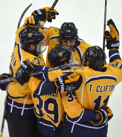 Men's ice hockey downs Northeastern