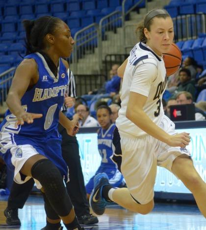 Women's basketball tops Hampton 87-59