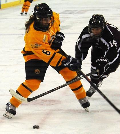 No. 5 women's ice hockey defeats Union
