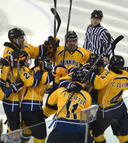 Men's ice hockey downs Dartmouth in thriller