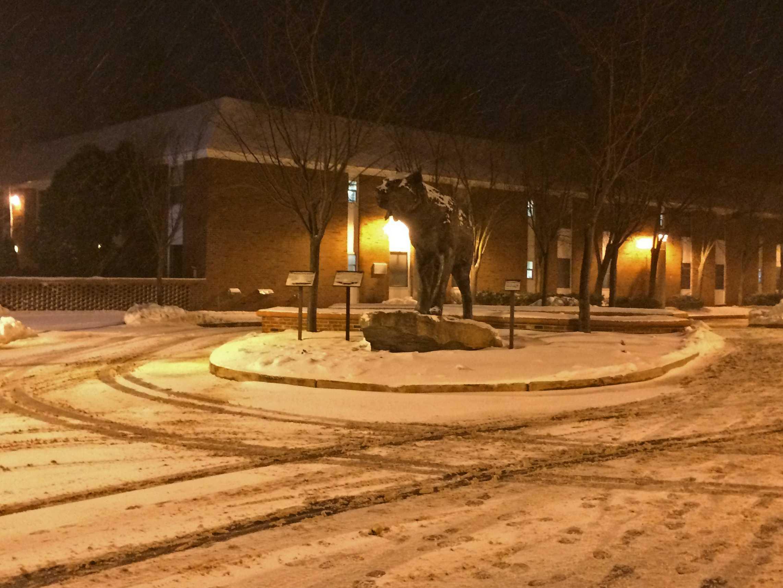 University prepares for blizzard
