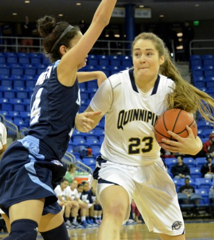 Women's basketball routs Saint Peter's