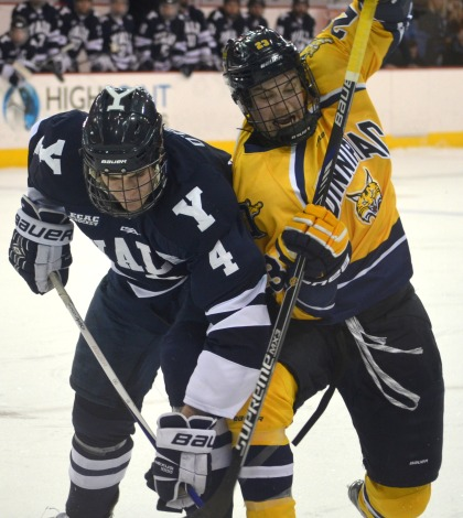 Men's ice hockey skates to tie vs. Yale