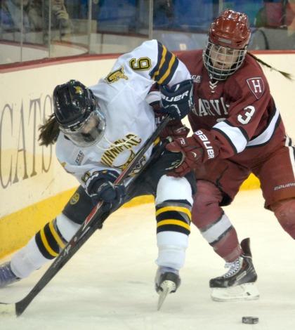 Women's ice hockey readies for NCAA Tournament