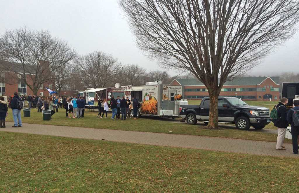 Rave: Food trucks on campus