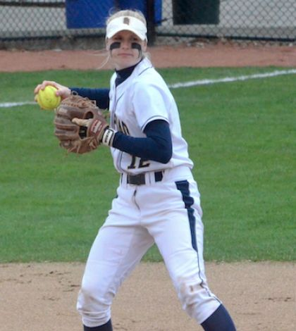 Softball sweeps Rider in doubleheader Sunday