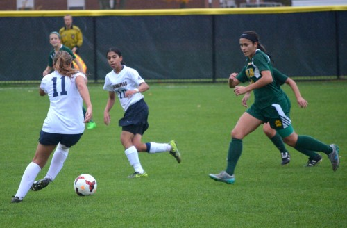 Siena tops women's soccer