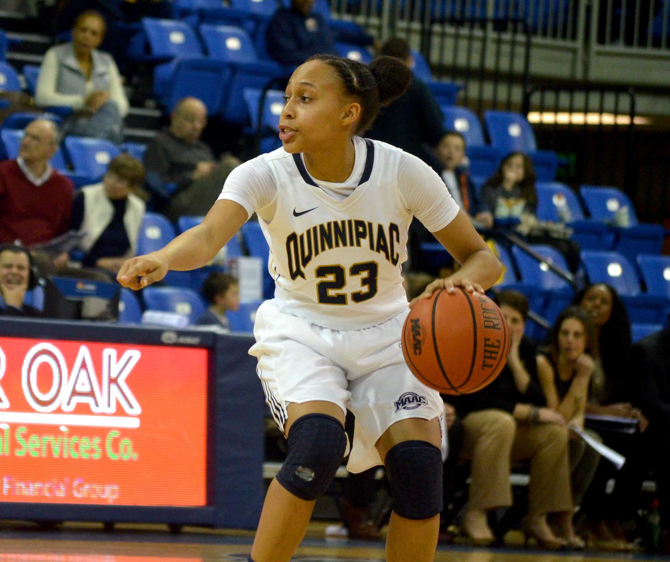 Women's basketball continues hot streak, tops Monmouth