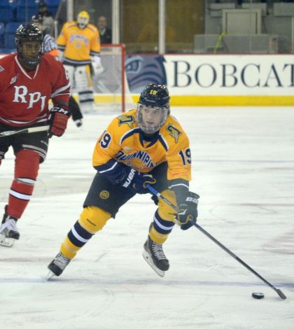 Men's ice hockey plays to tie with RPI