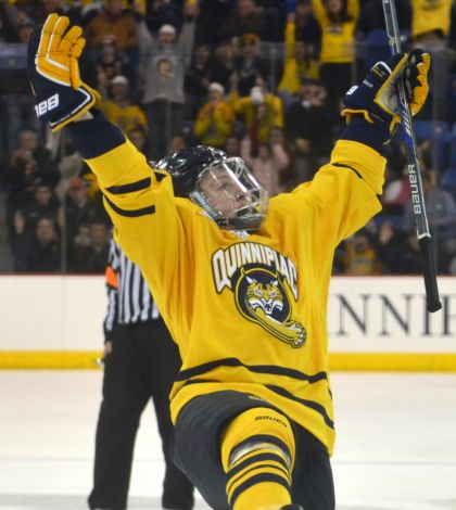 Men's ice hockey tops Yale in regular season finale