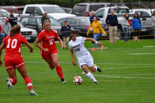 Women%27s+soccer+edges+out+Fairfield+for+first+MAAC+win
