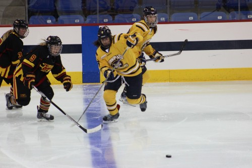 Women's ice hockey prepares for weekend against No. 6 Boston College