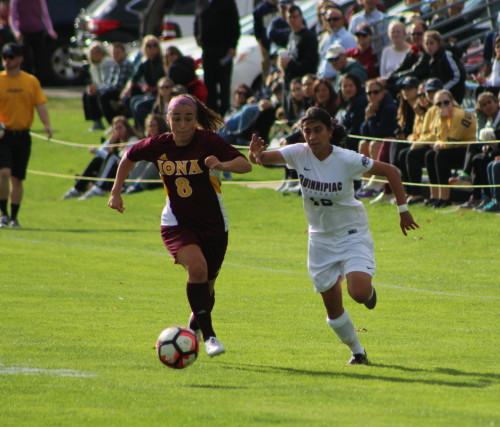 Women%27s+soccer+claims+fifth-straight+win