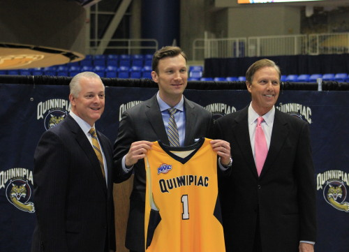 Quinnipiac introduces Baker Dunleavy as men's basketball coach