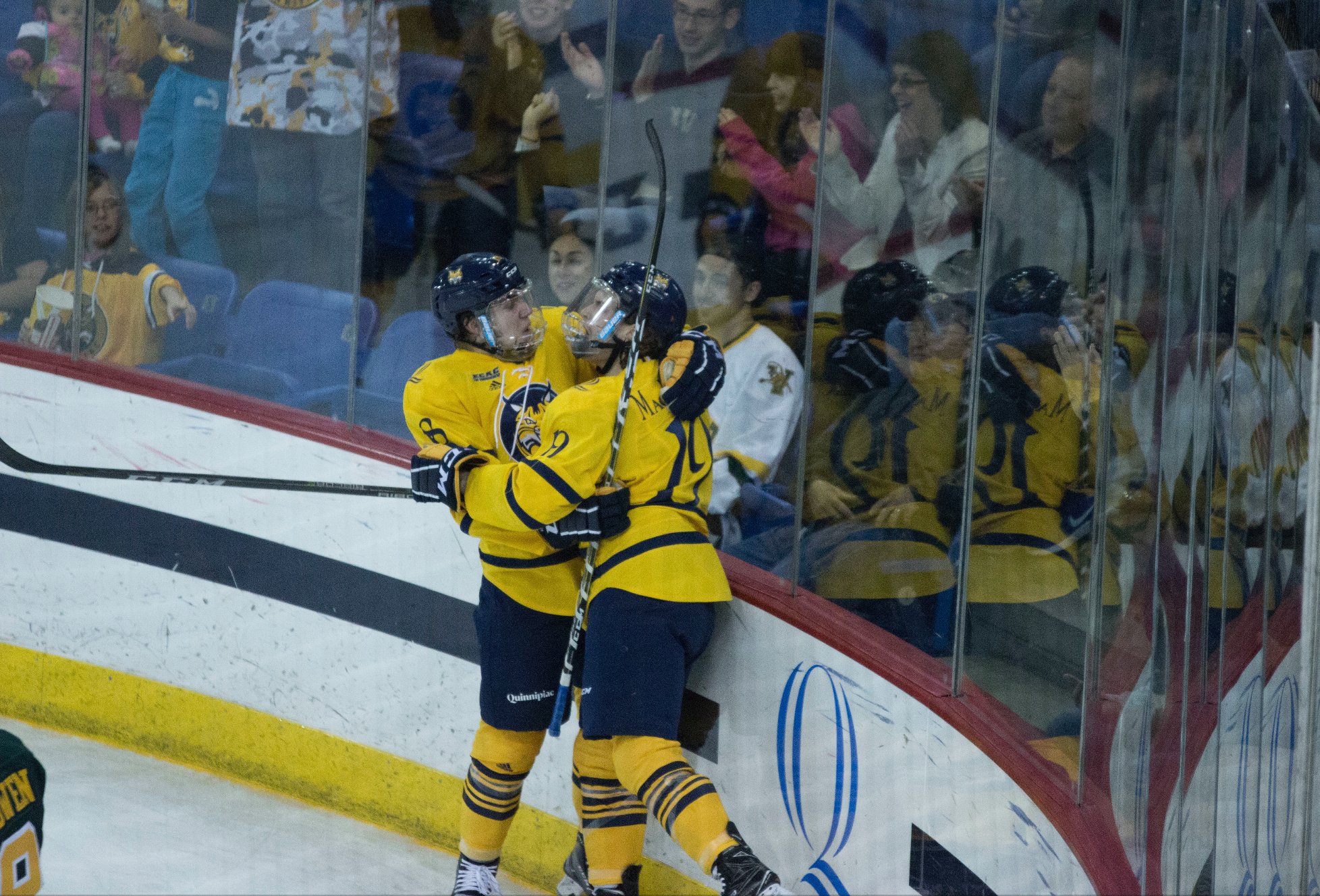 Quinnipiac men's ice hockey earns first win of the season