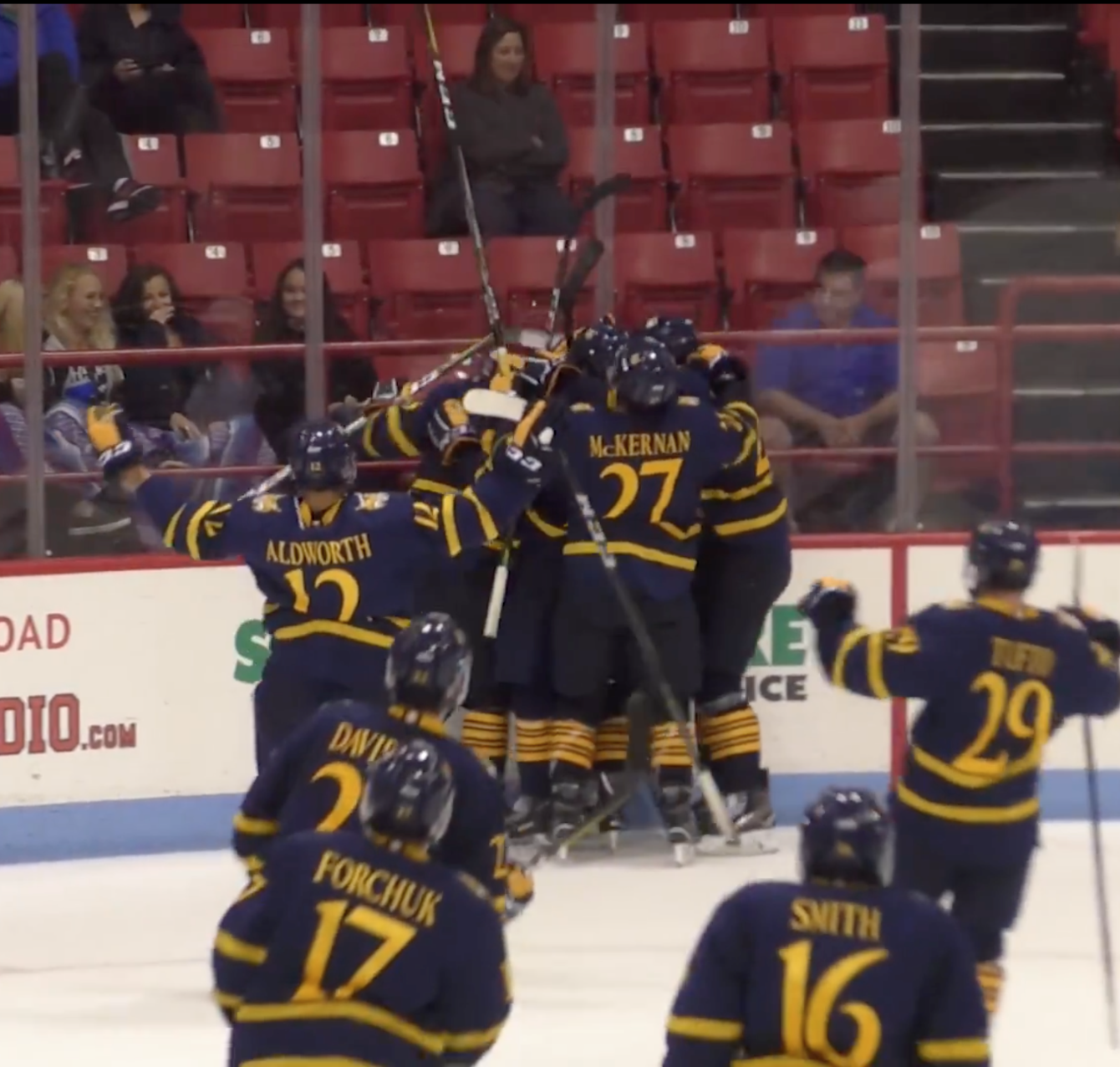 No. 18 Quinnipiac men's ice hockey sweeps No. 14/16 Northeastern