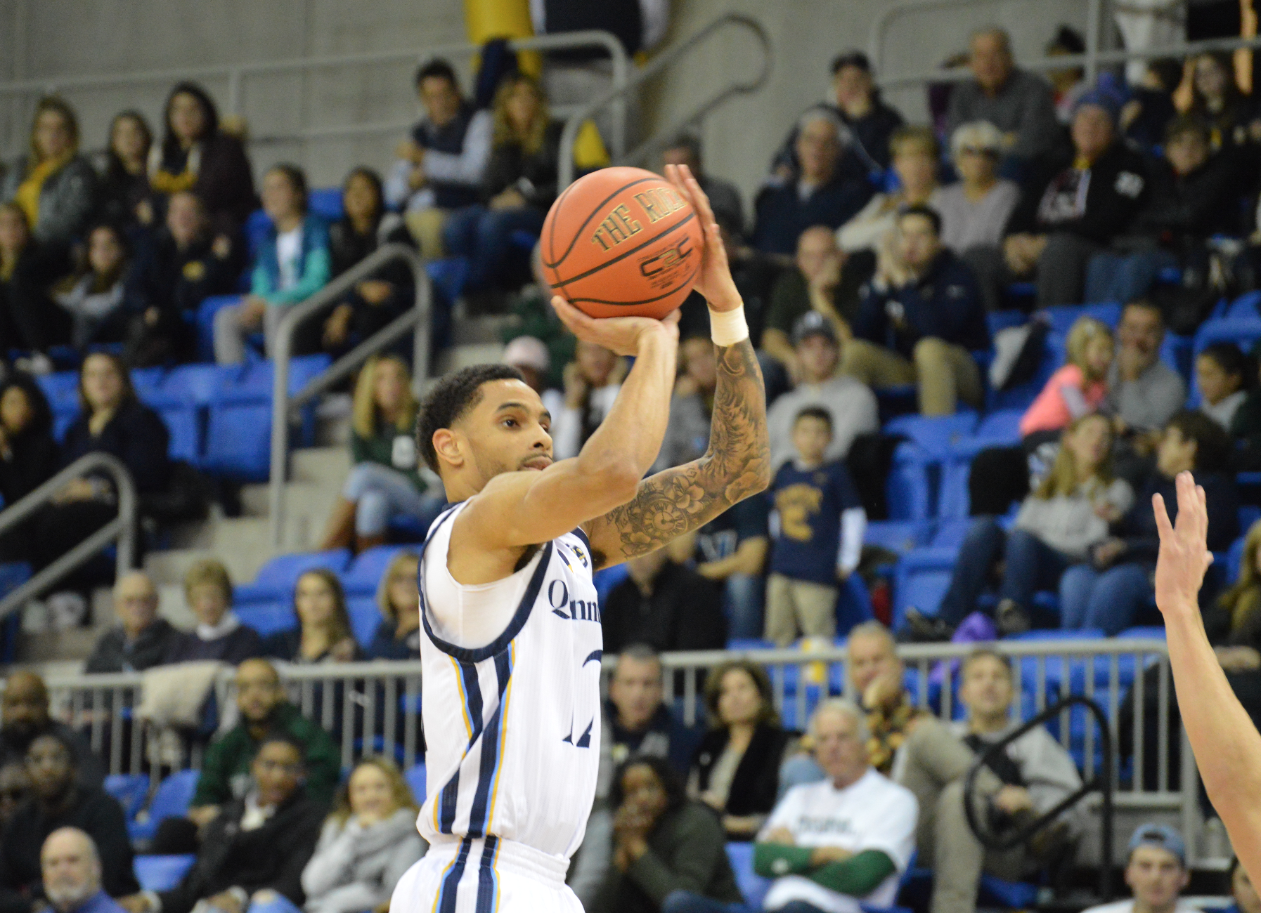 Quinnipiac men's basketball outlasts Dartmouth, 78-77