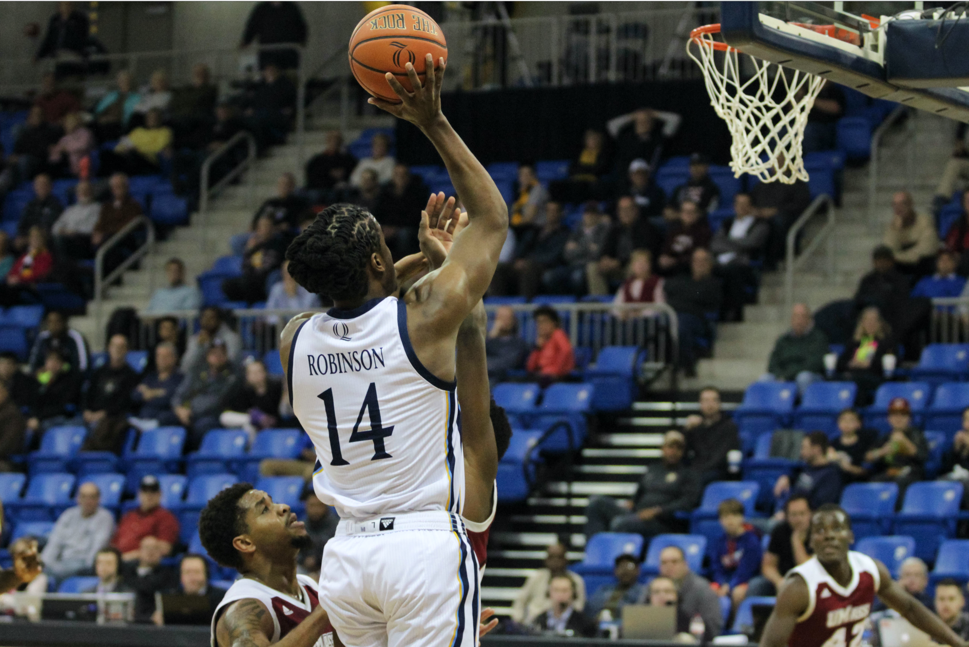 Quinnipiac men's basketball hangs on to beat UMass Amherst 68-66