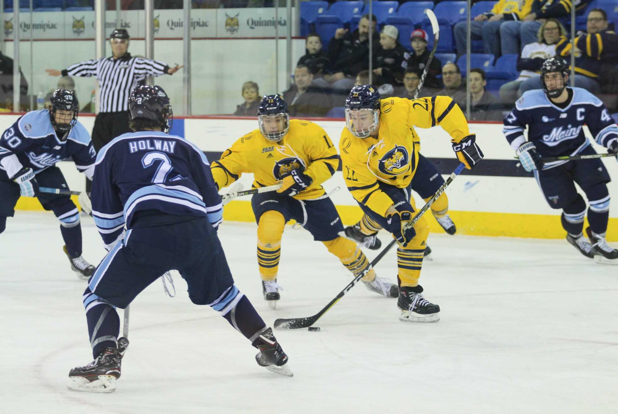 Quinnipiac men's ice hockey blows three-goal lead, loses 7-4 to Maine