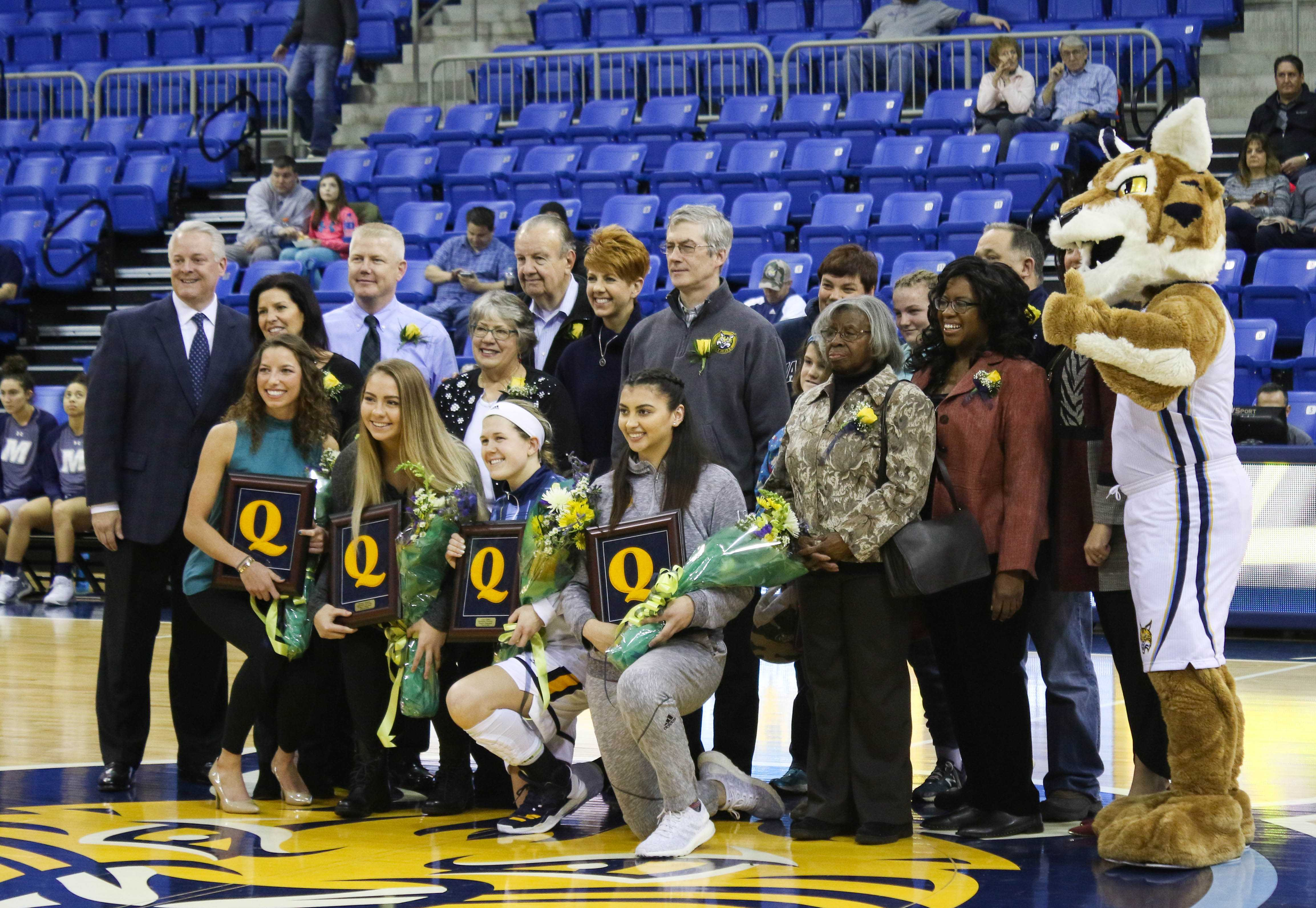 Quinnipiac women's basketball tops Monmouth on Senior Day to extend win streak to 19