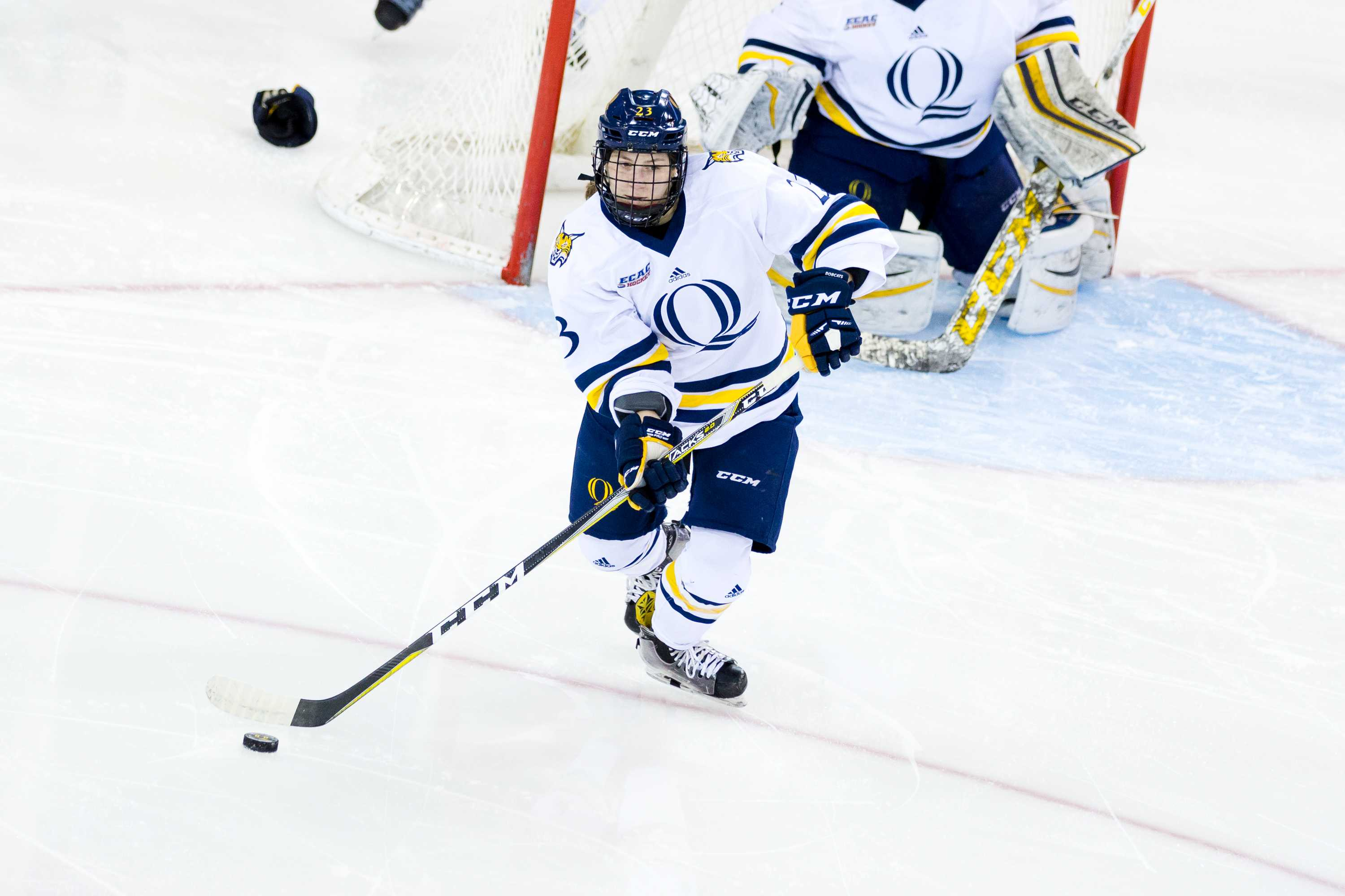 Quinnipiac women's ice hockey loses at Yale, 2-0