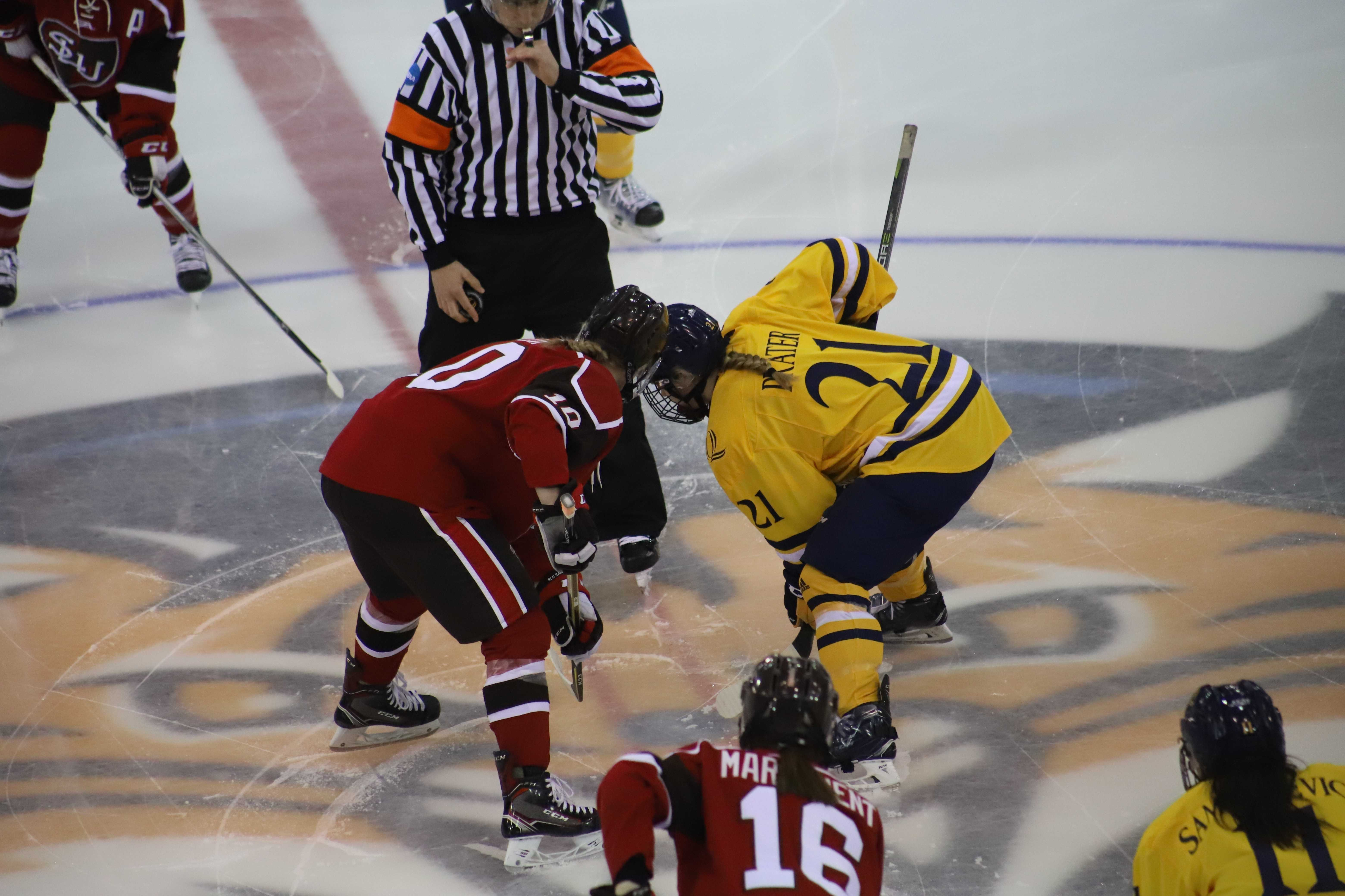 Quinnipiac women's ice hockey plays to 1-1 tie with No. 8 St. Lawrence
