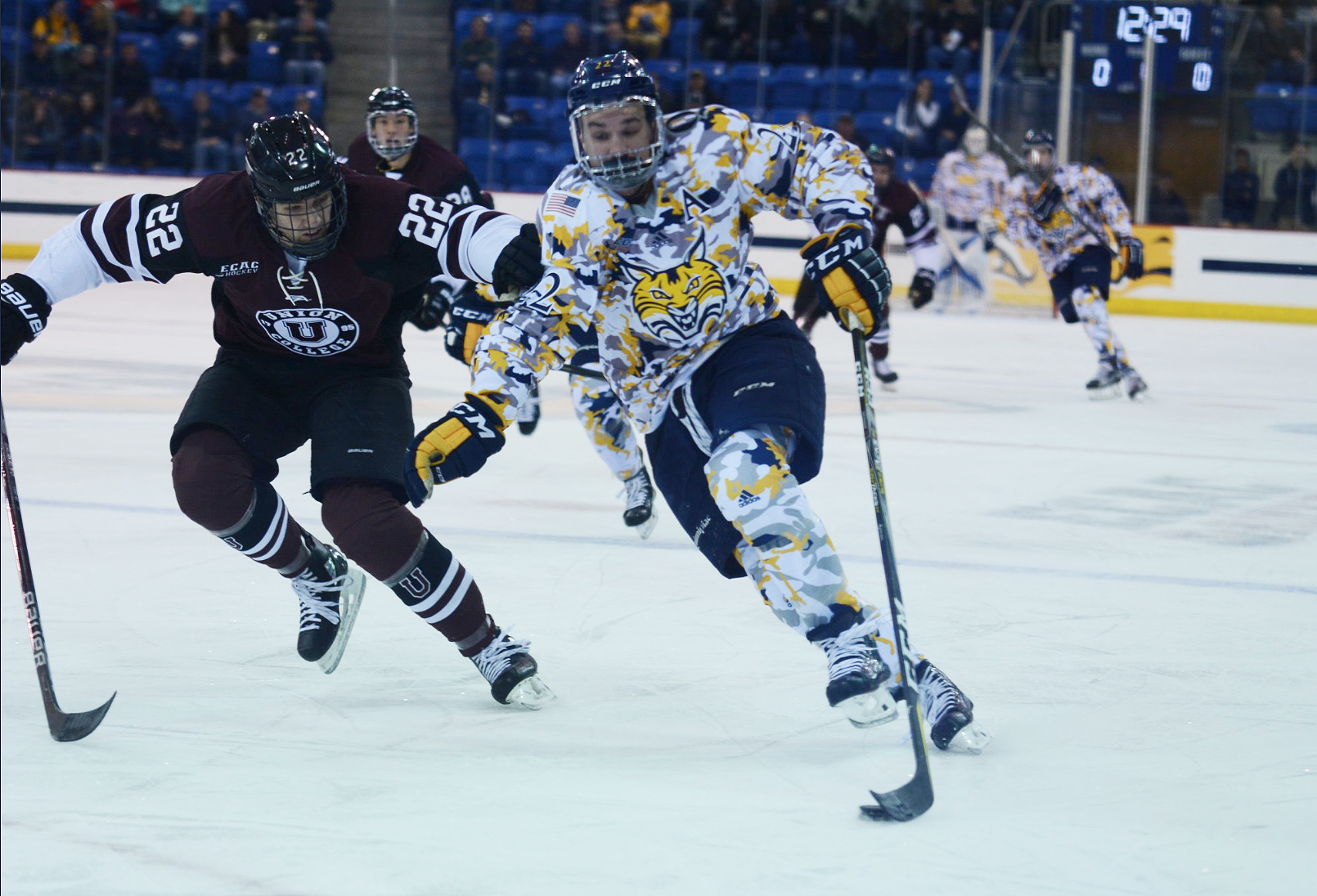 Quinnipiac men's ice hockey loses to Union at home, 5-2