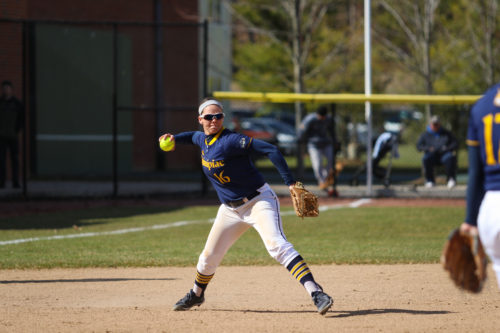 Quinnipiac softball rolls past Niagara in doubleheader, completes 4-0 weekend