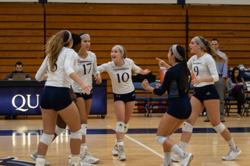 Quinnipiac volleyball shuts out Manhattan for second MAAC win