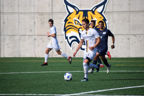 Quinnipiac men's soccer cruises past Monmouth, 6-0