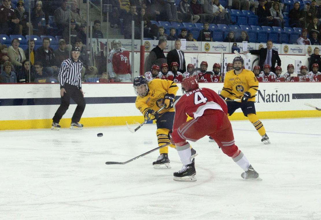 Quinnipiac men's ice hockey shuts out RPI, 3-0