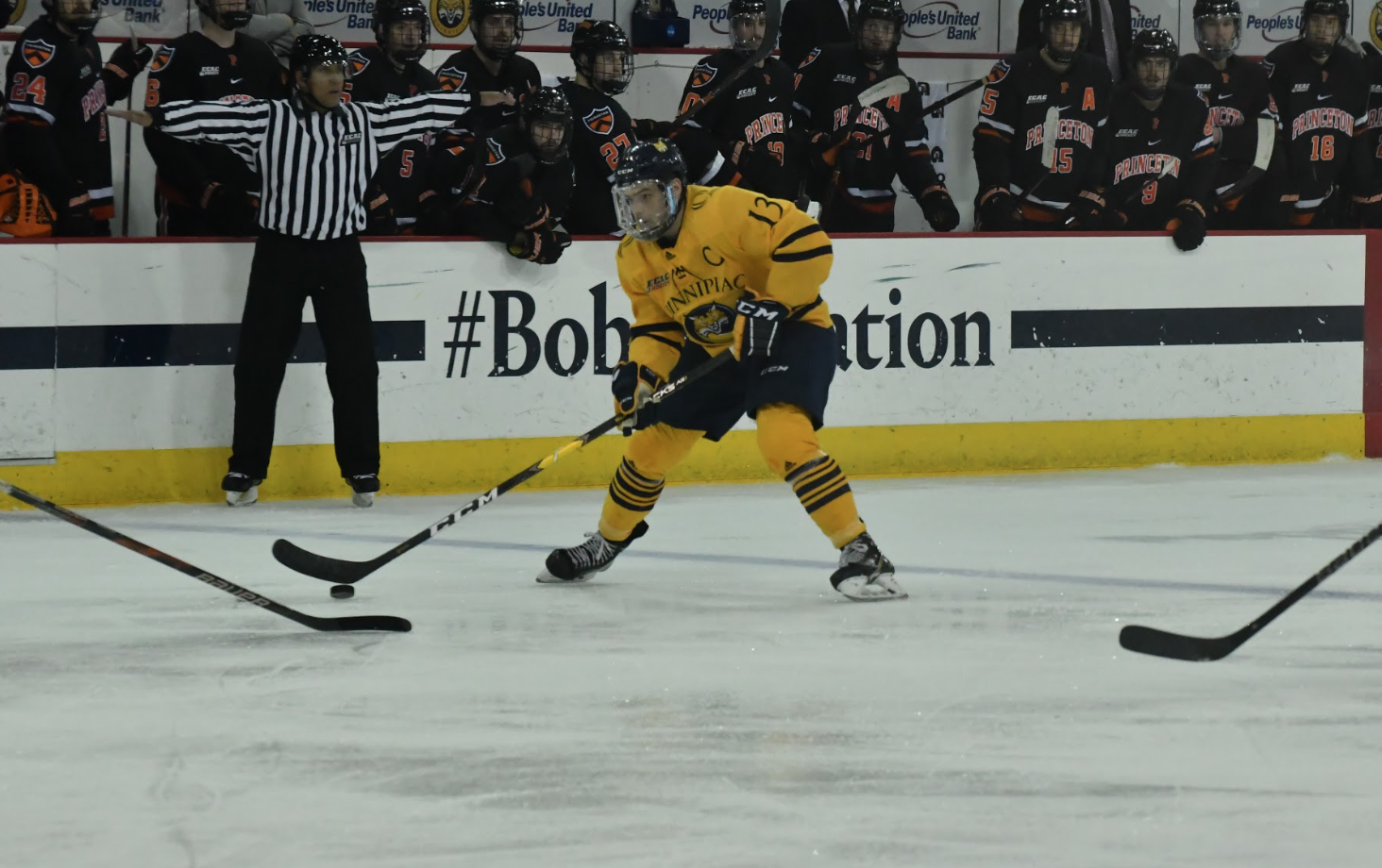 Quinnipiac men's ice hockey blanks Princeton, 3-0
