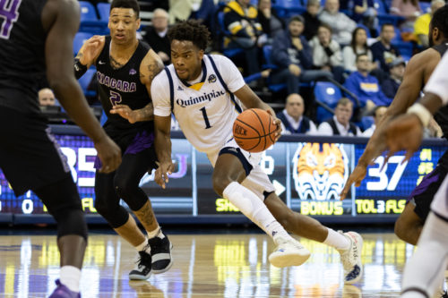Quinnipiac men's basketball moves down to .500 in MAAC play with 75-72 loss to Niagara